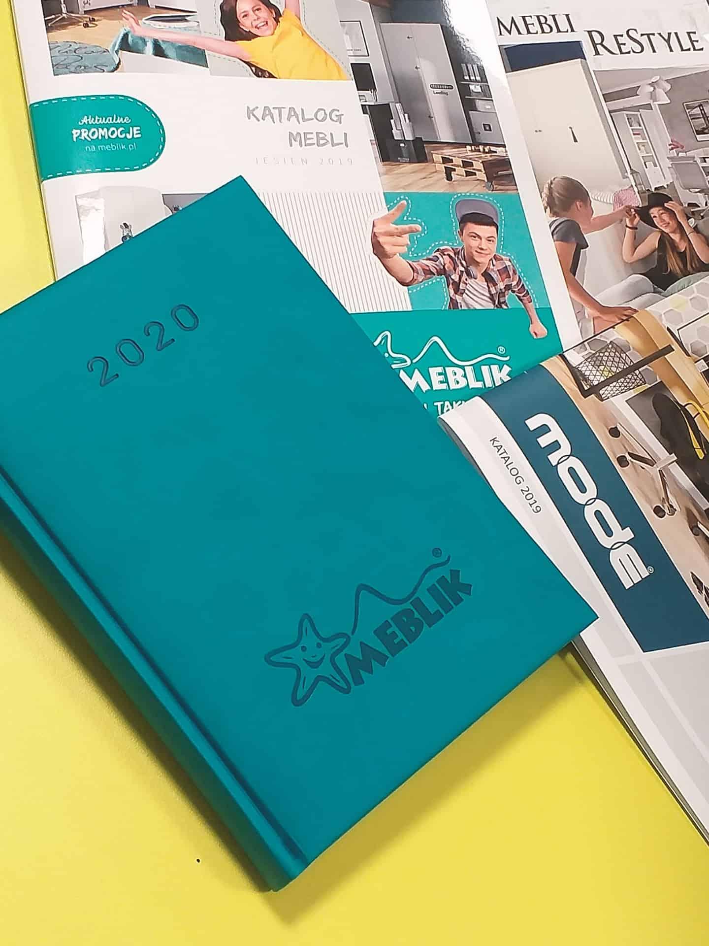 kalendarze książkowe dla firmy Meblik