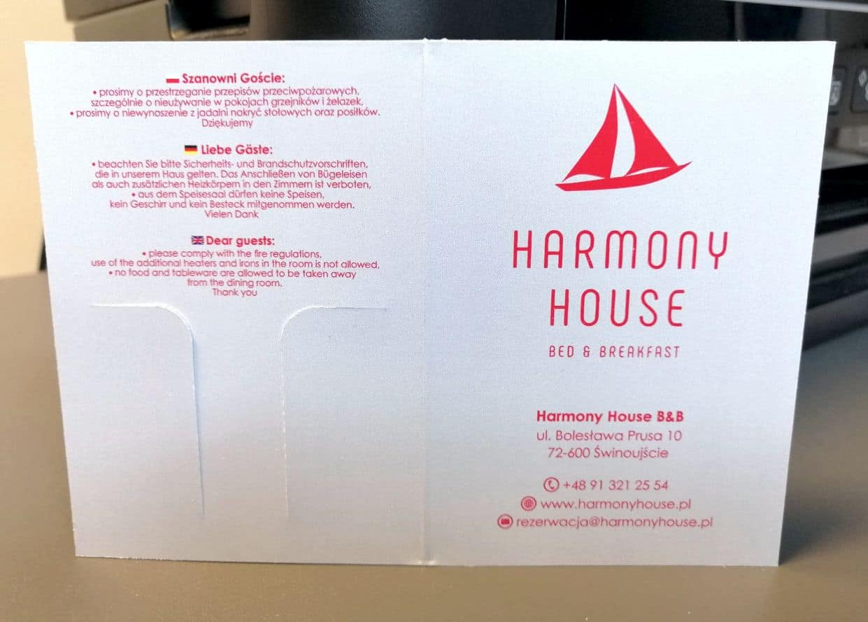 etui na karty z logo harmony house