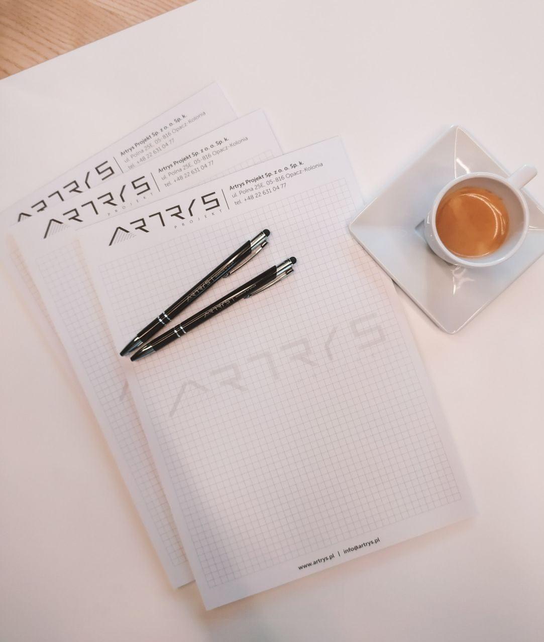 notesy firmowe z logo Artrys
