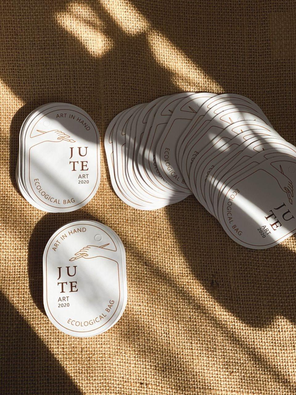 wizytówki wycinane (metki odzieżowe) z logo JUTE