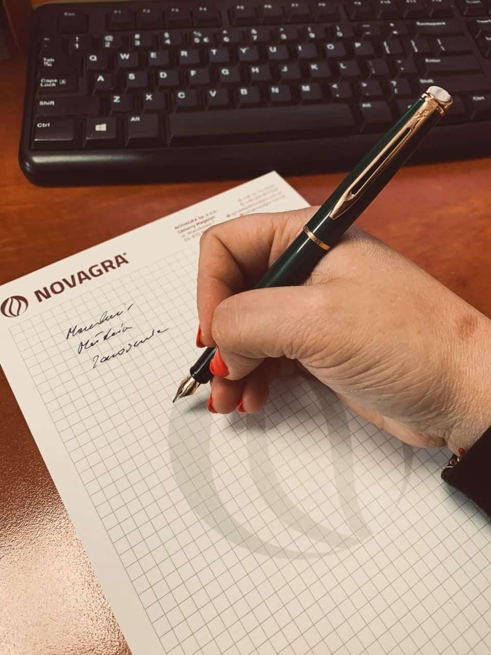 notesy z nadrukowanym logo Novagra