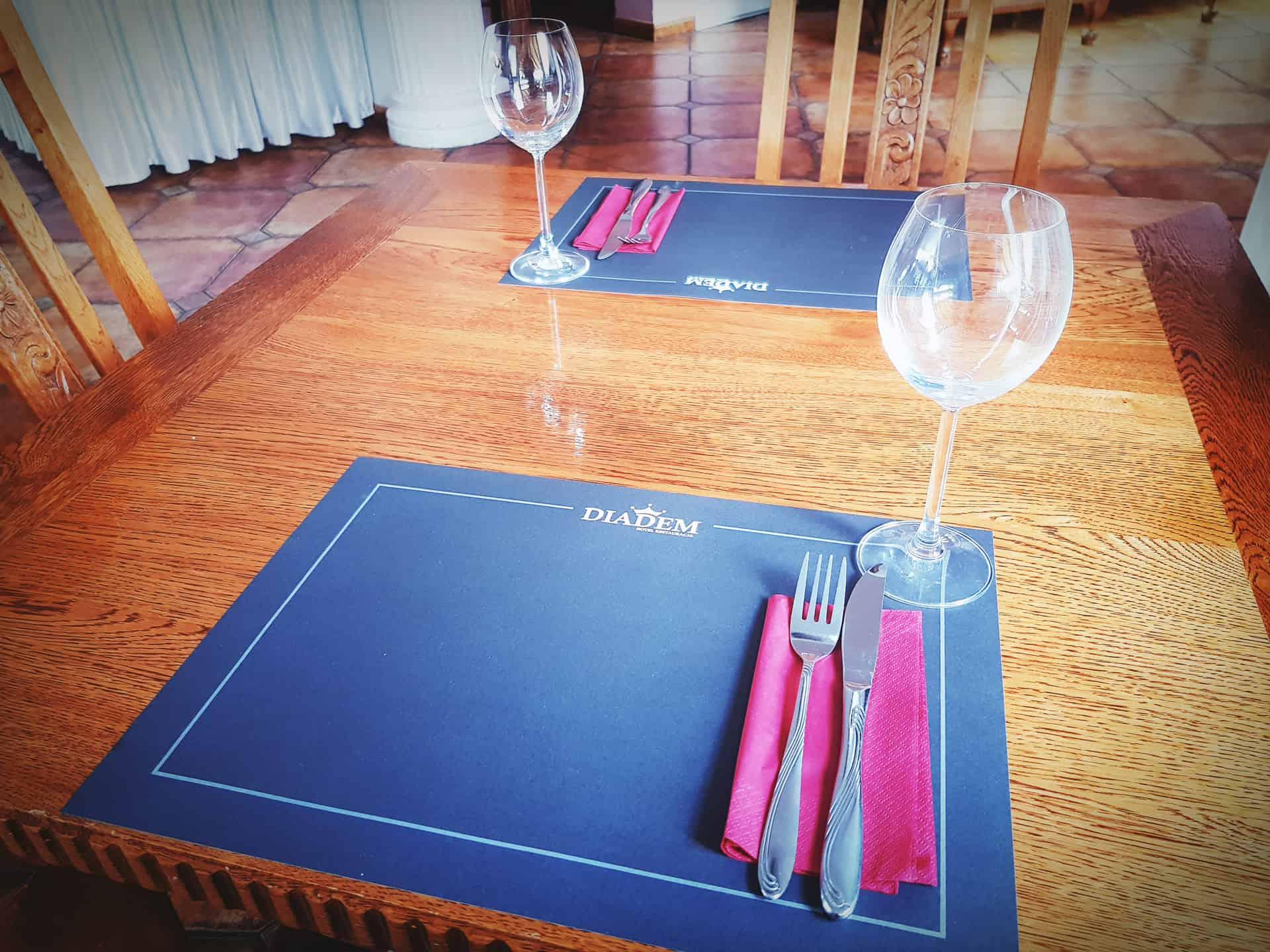 podkładki na stół dla restauracji Diadem