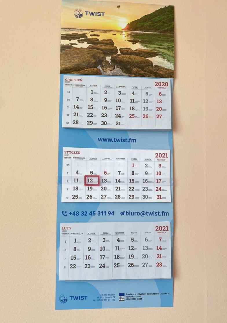 kalendarze ścienne trójdzielne z nadrukiem firmowym TWIST