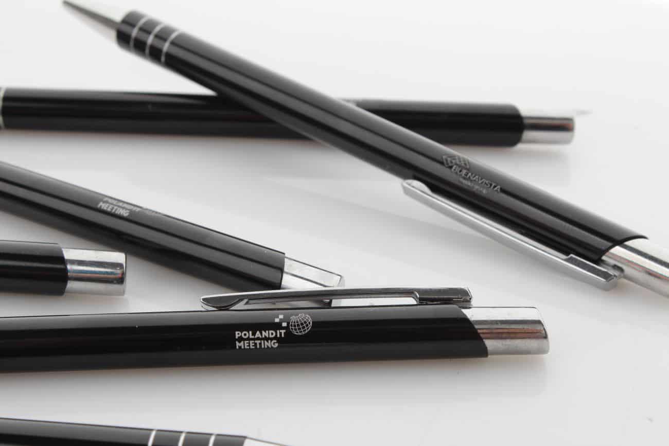 czarne długopisy z grawerem PolandITMeting
