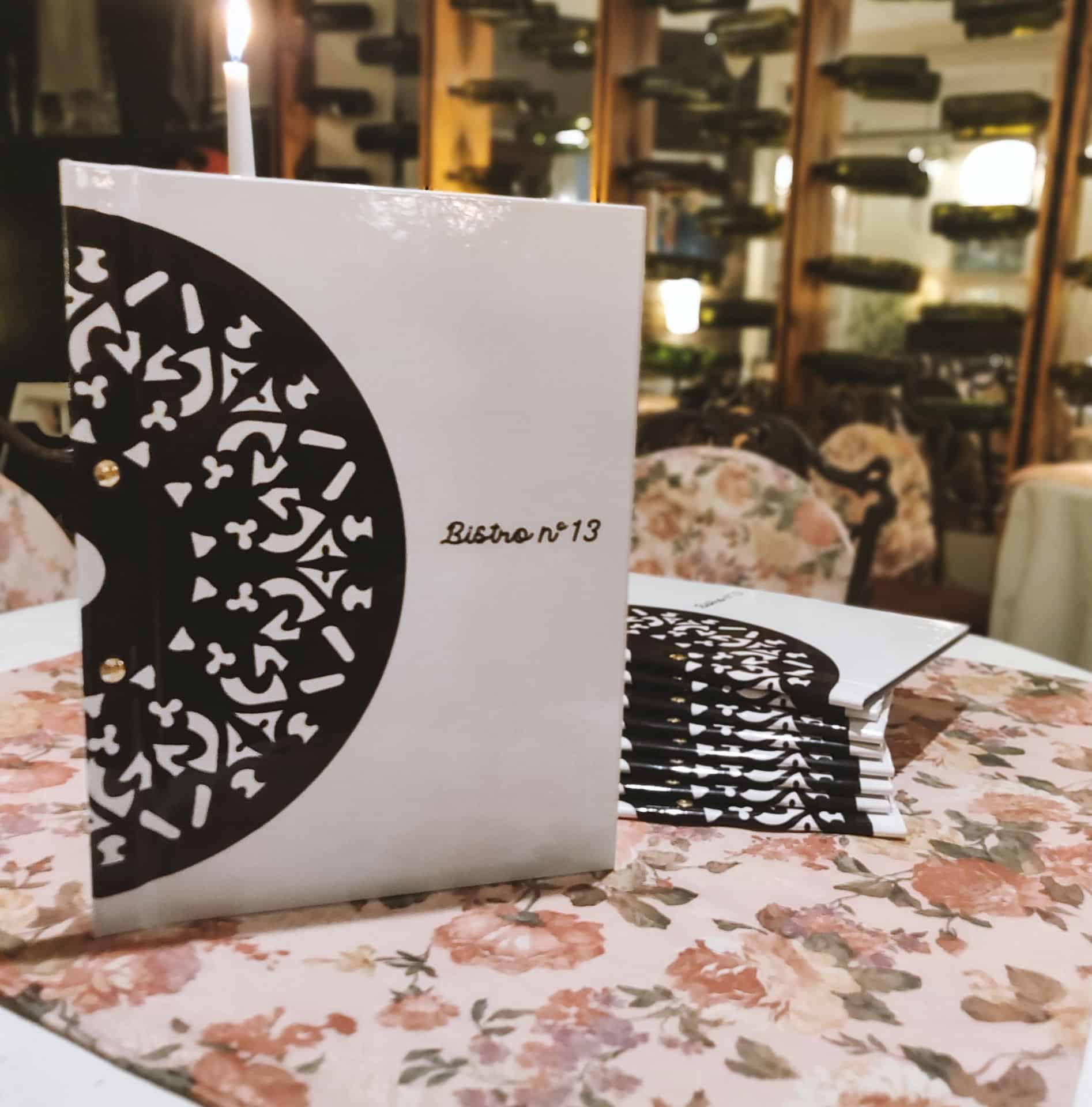 nadrukowane okładki na menu z logo Bistro no 13