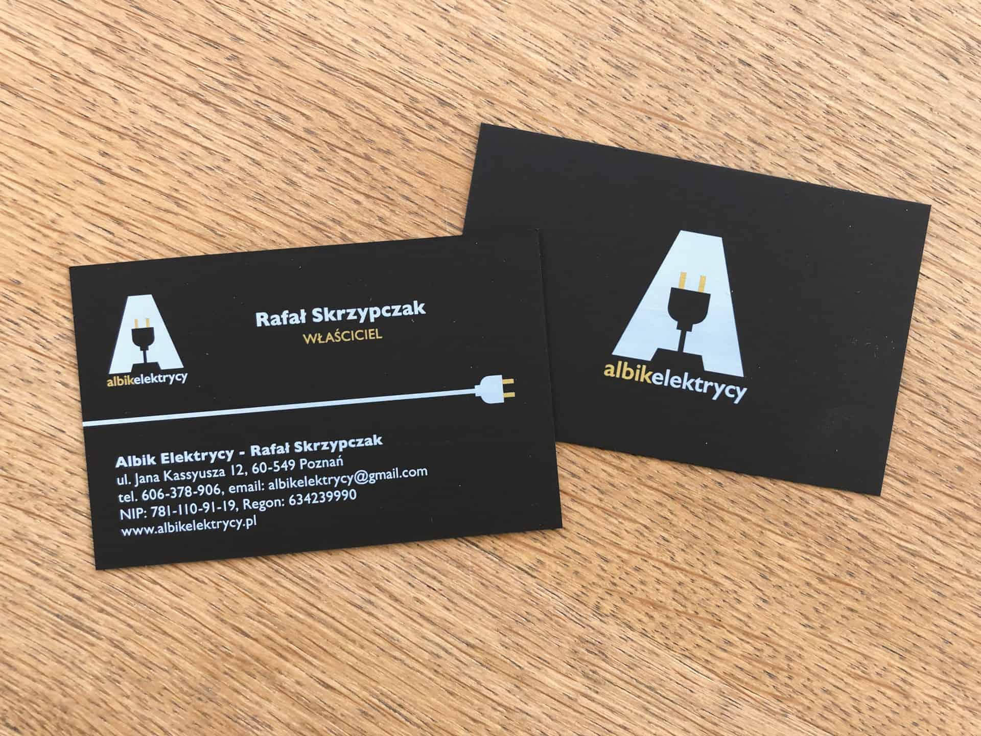 wizytówki na czarnym papierze dla albikelektrycy