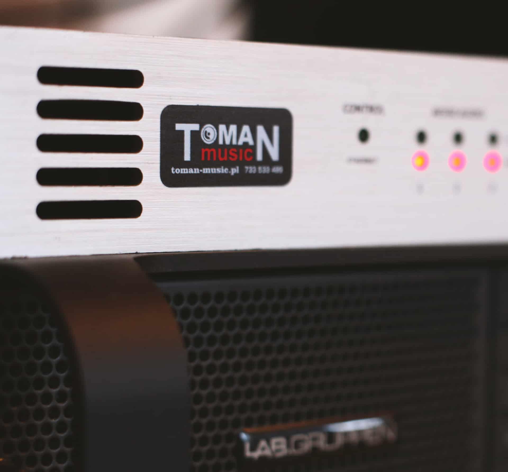 naklejki z logo Toman music