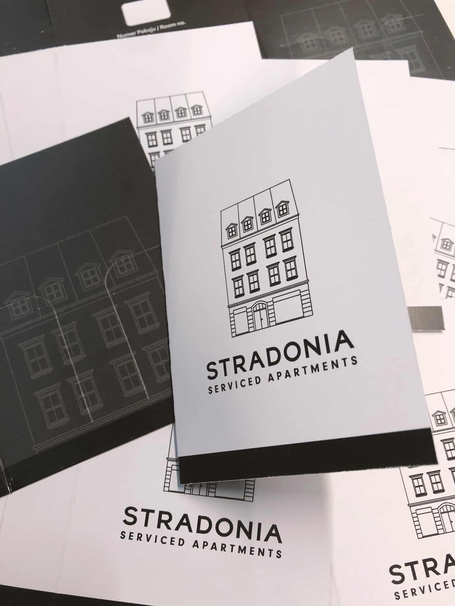 etui na karty hotelowe z nadrukowanym logo Stradonia