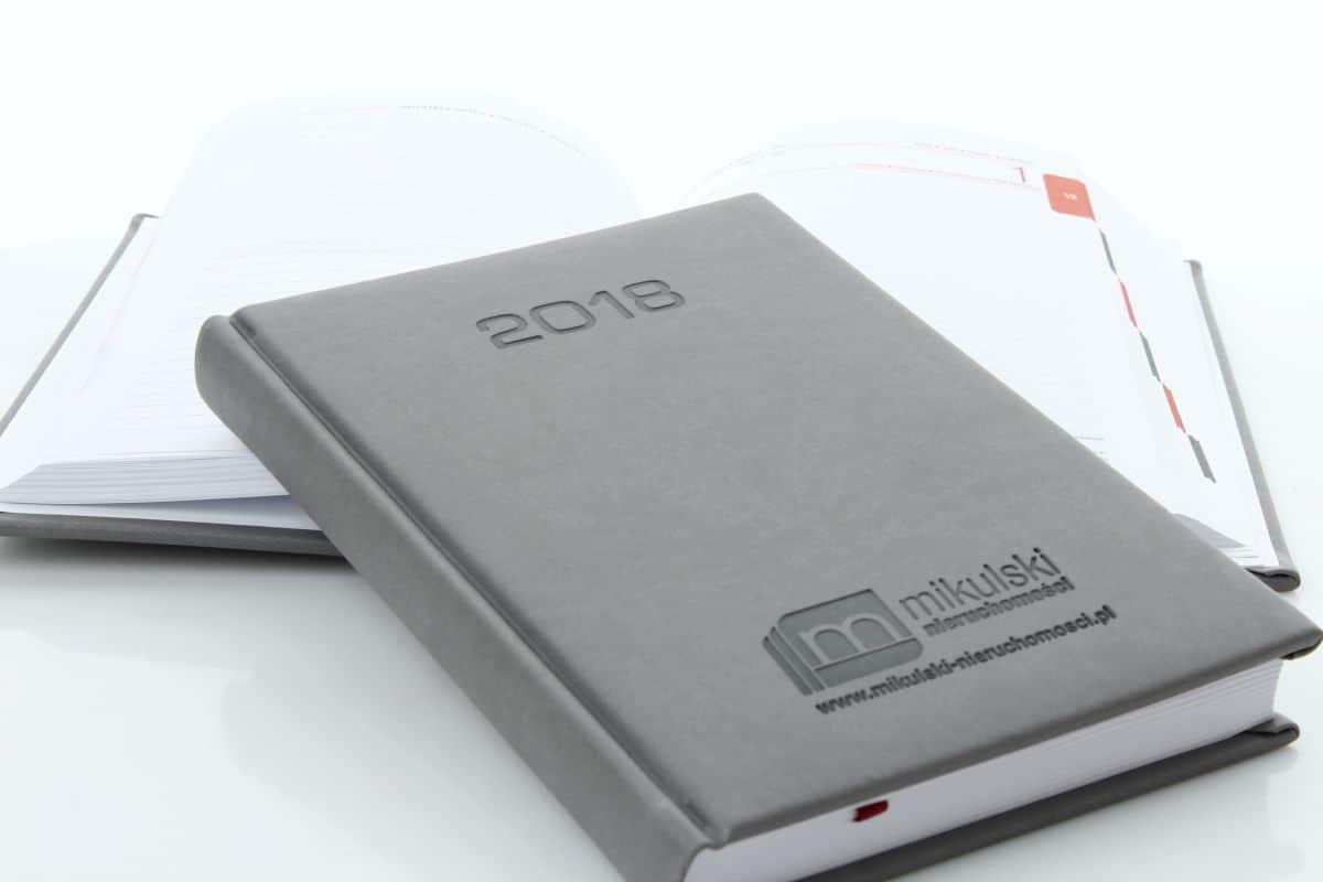 kalendarze książkowe z logo firmy mikulski