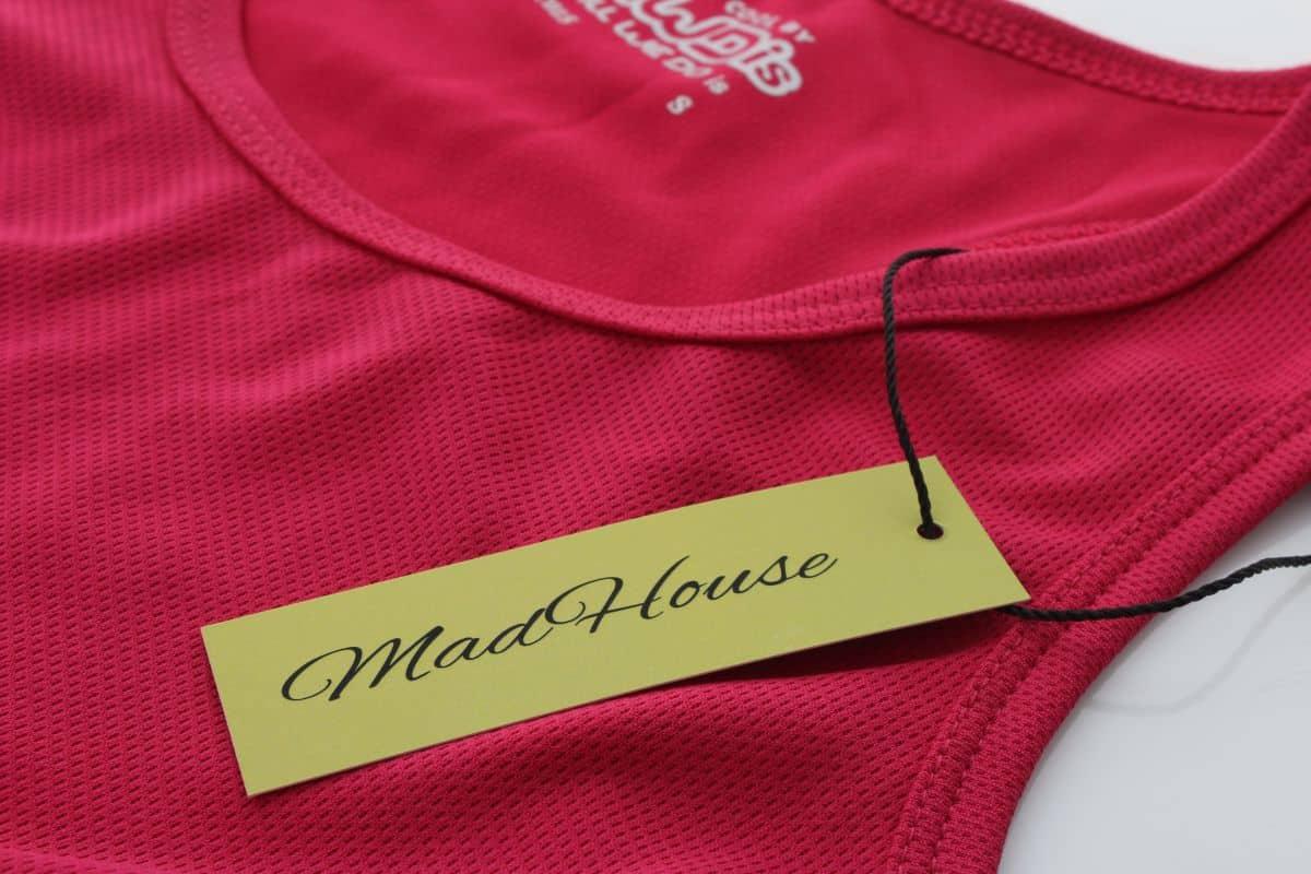 realizacja na metki odzieżowe z logo MadHouse