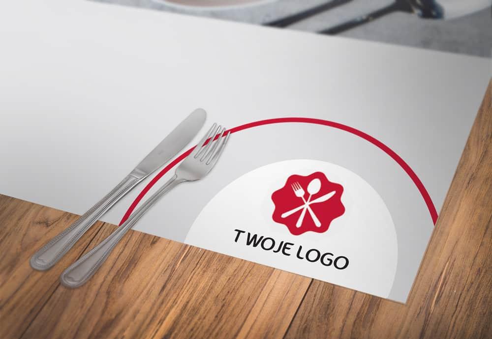 podkładki pod talerze z logo