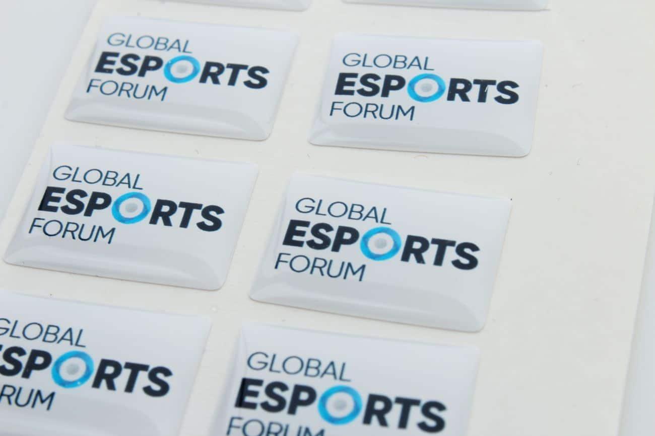 naklejki wypukłe dla global esports Forum