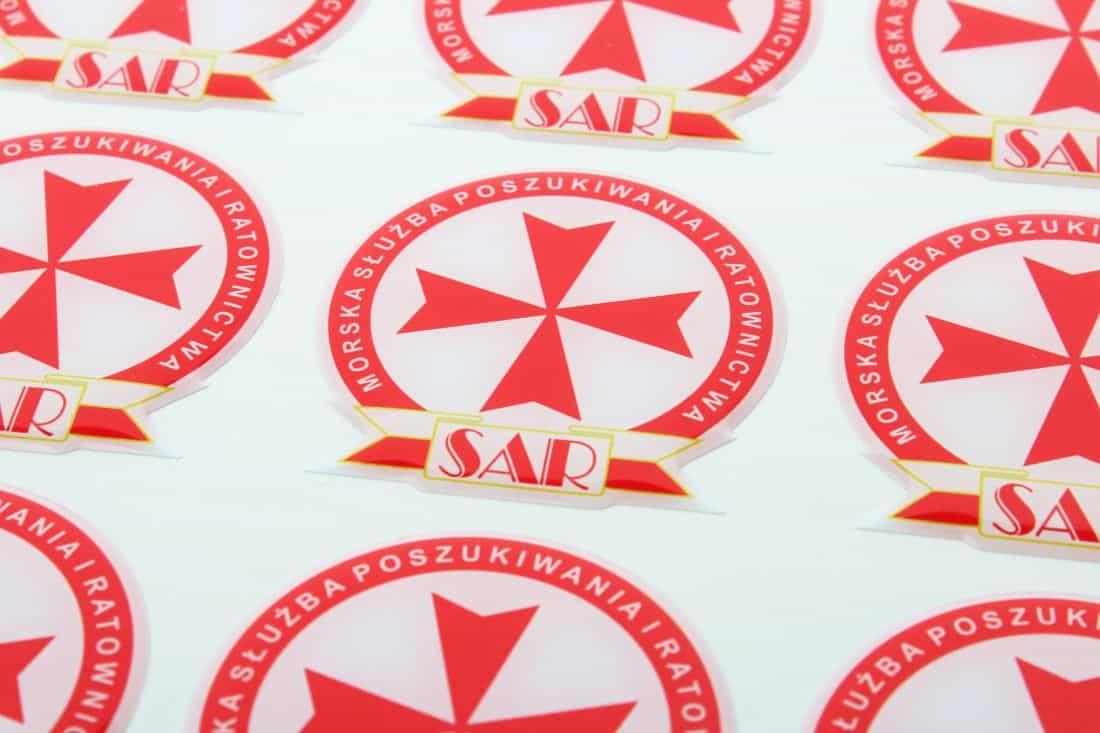 naklejki wypukłe z logo SAR
