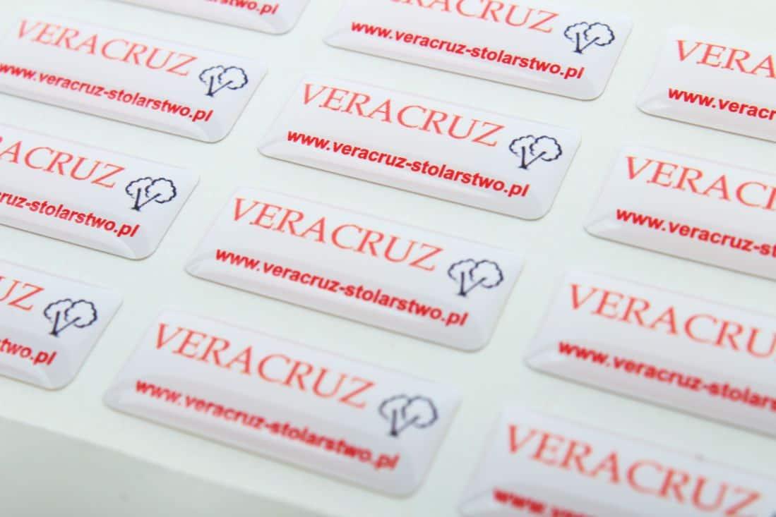 realizacja naklejek wypukłe z logo Veracruz