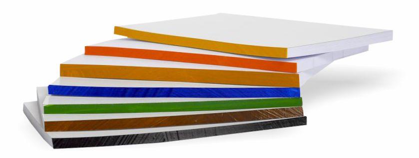 notesy z kolorową krawędzią