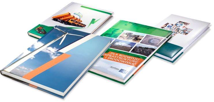 kalendarze książkowe z indywidualną grafiką na okładce