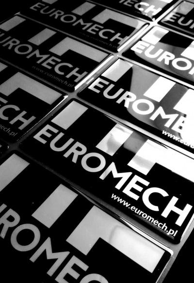 Naklejki wypukłe na srebrnej folii z logo firmy euromech