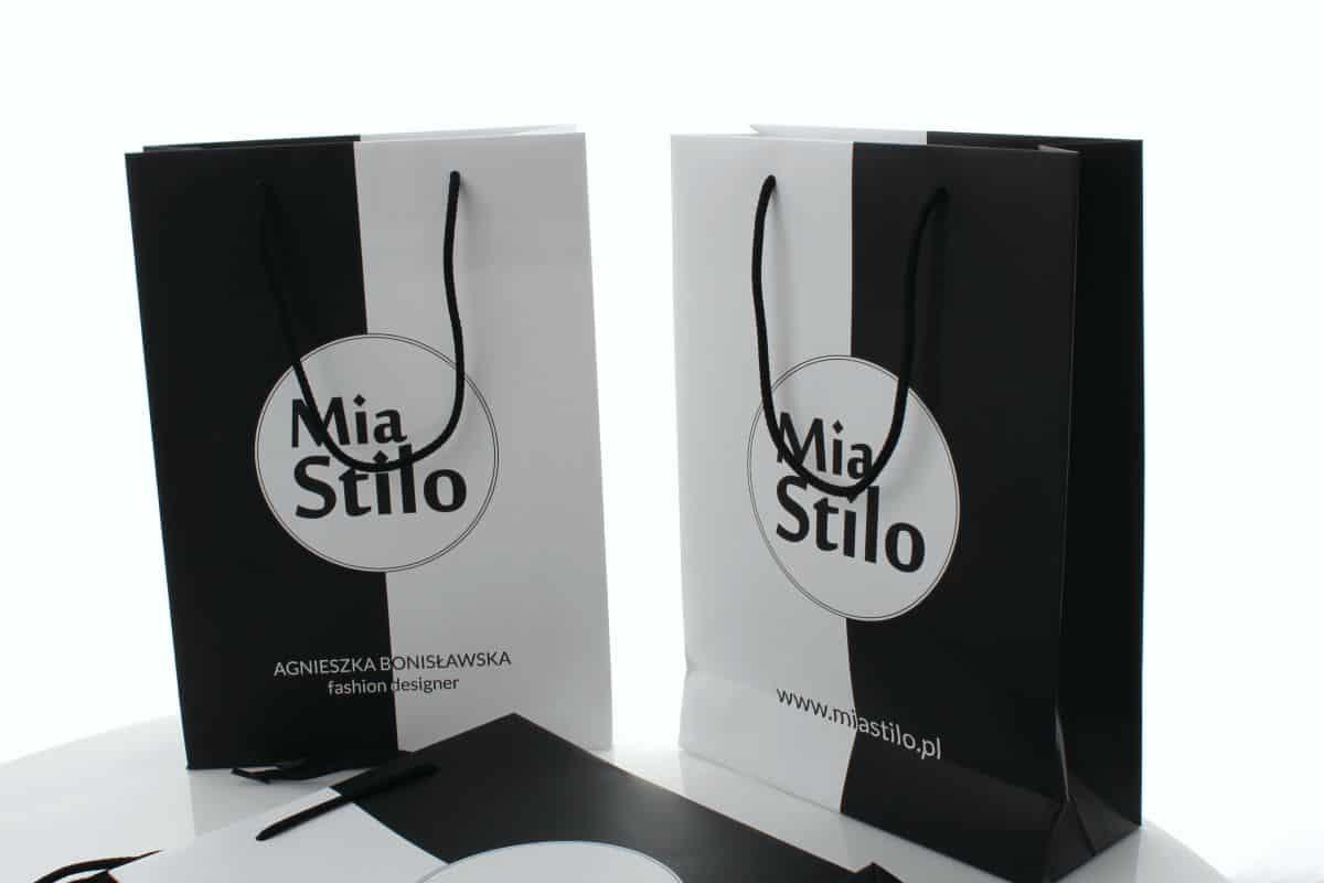 realizacja na torby papierowe z logo Mia Stilo